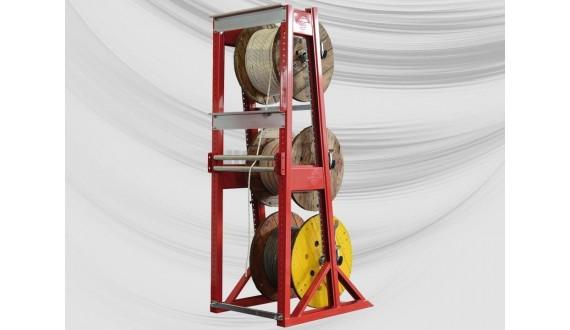 Rear guide roller for racking