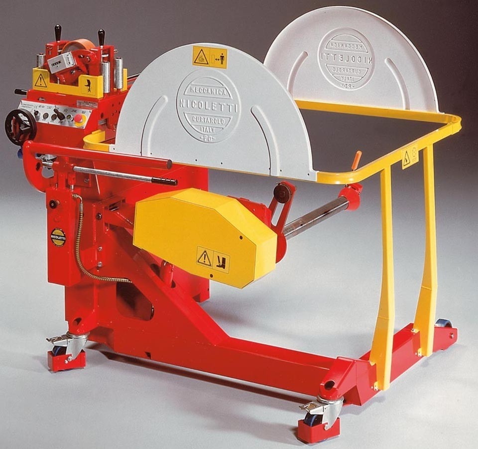 Cable winding and payoff machinery